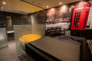 suite london darling strip club barcelona